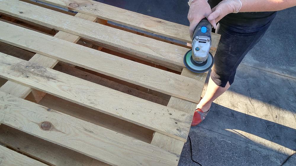 Construy una terraza con sus propias manos y hecha de - Como hacer un jardin en una terraza ...
